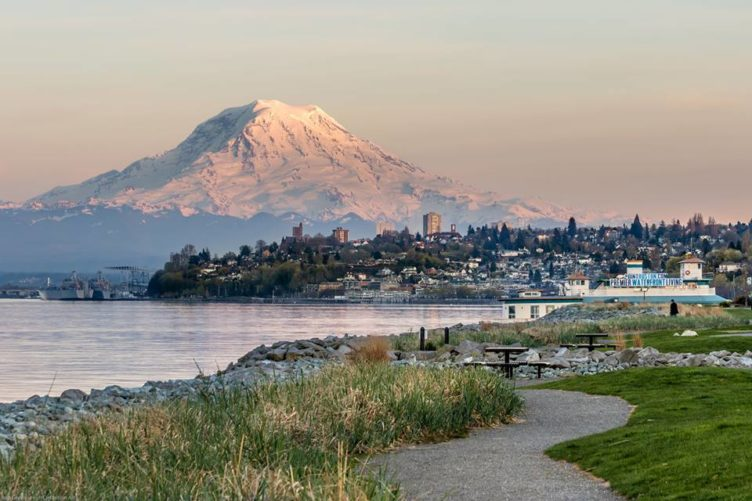 tacoma-trail-rainier